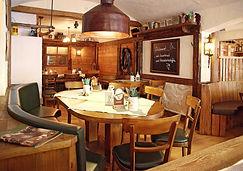 Cozy and rustic Kutscherschänke restaurant near the Frauenkirche