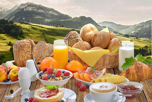 Genießen Sie ein schweizer Hüttenfrühstück im edelweiss