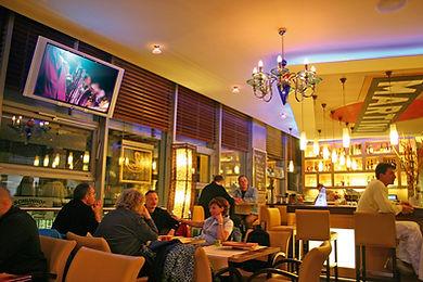 Genießen Sie leckere Cocktails an unserer Bar mitten im Herzen von Dresden