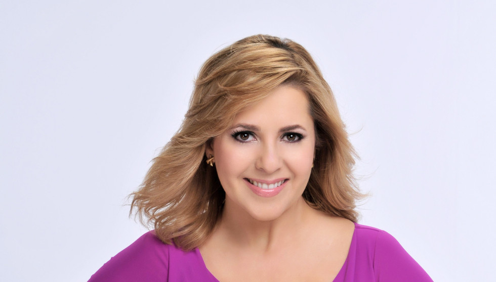 Ana Maria Canseco returns to Despierta America – Catch her on SIN ROLLOS NI TAPUYOS!