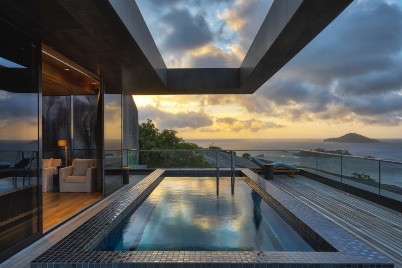 8 Four-Bedroom_Residence_Master_Pool_eve