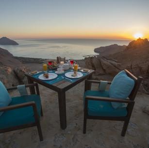 Вечер, проведенный на вершине мира в ресторане Sense on The Edge: Six Senses Zighy Bay, Оман