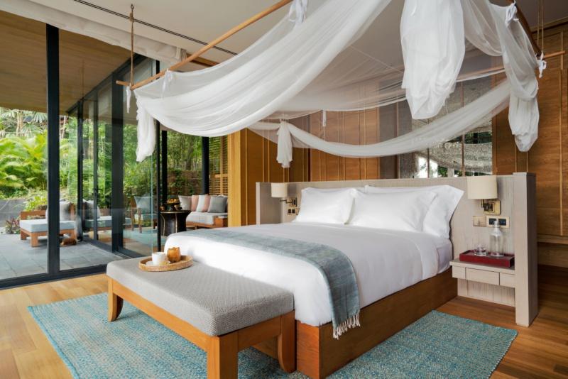 Ocean_Pool_Villa_Suite_bedroom2_[7378-ME