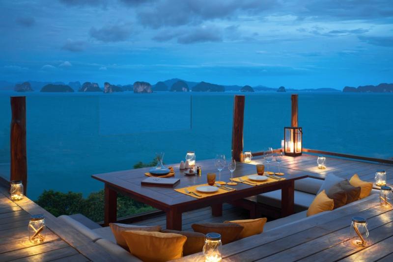 The_View_Romantic_Dinner_[8152-MEDIUM]