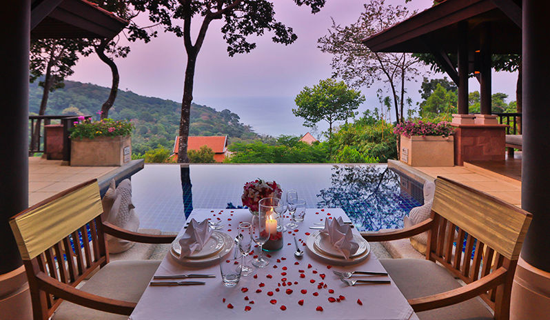 CRP_0M3A1184_1.jpg-In-villa-dining (1)