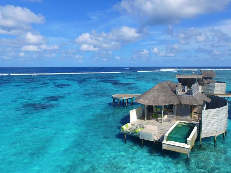 Laamu_Water_Villa_with_Pool_Aerial_view_[6656-MEDIUM]