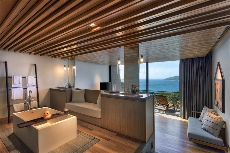 12 Four-Bedroom_Residence_Bathroom_Bedro