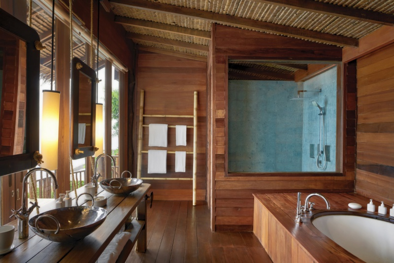 The_View_Bathroom_[8139-MEDIUM]