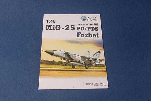 MiG-25 PD/PDS Foxbat Fighter 1/48 Kitty Hawk Models