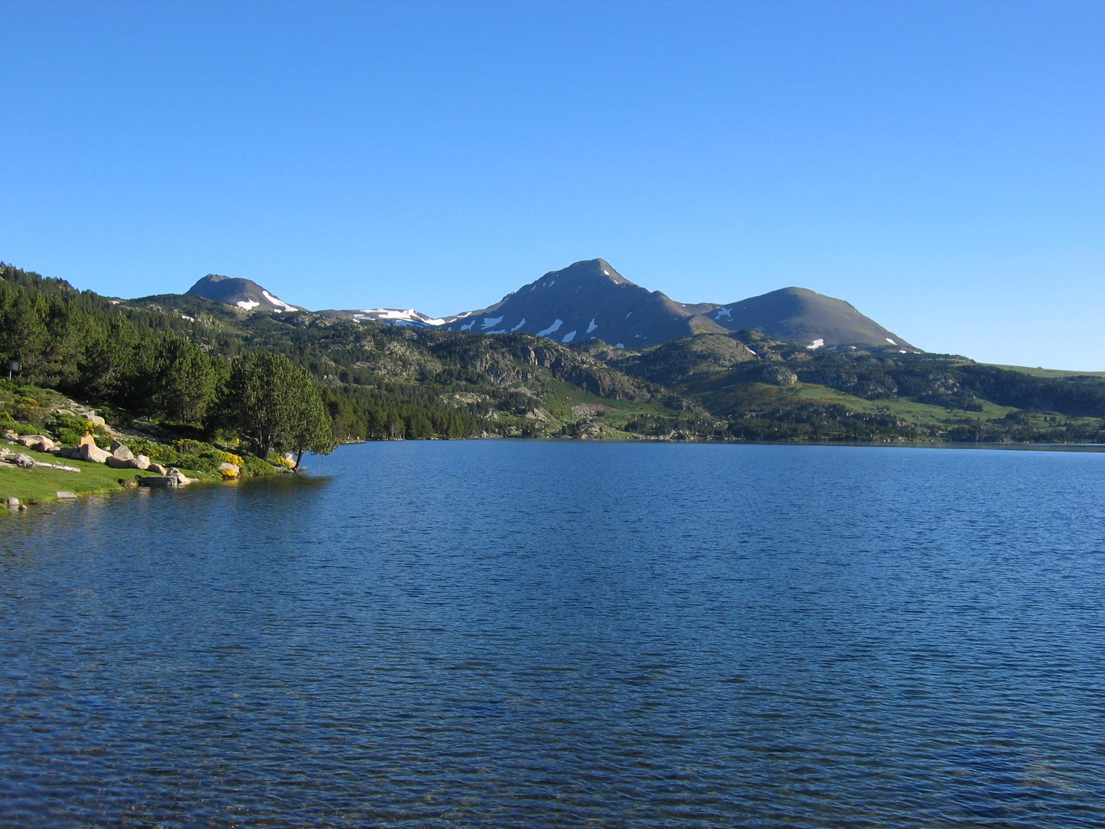 lac des bouillouses.jpg