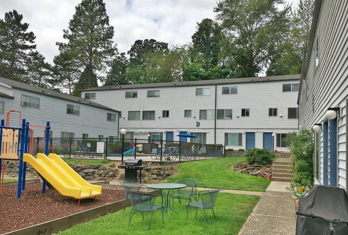Refinance of Lynn Oak Apartments in West Linn, OR has funded