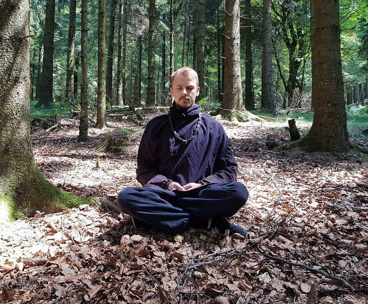 Meditation by Kevin Kotroba - Green Temple. Achtsamkeitsmeditation, Sonnenmeditation, Lichtnahrung, Stille Meditation, naturmeditation