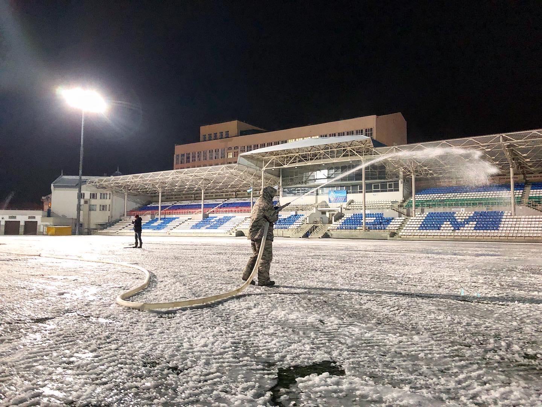 На стадионе «Динамо» приступили к заливке льда!
