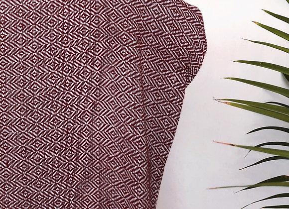 Huipil Amaranto con puntas blancas