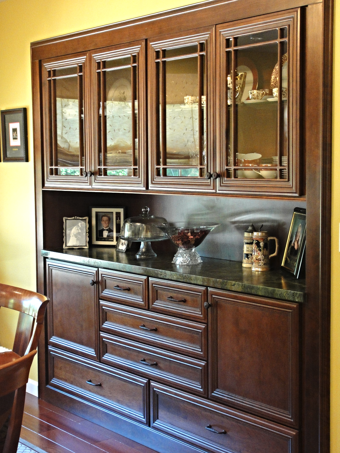 Cabinet Detail