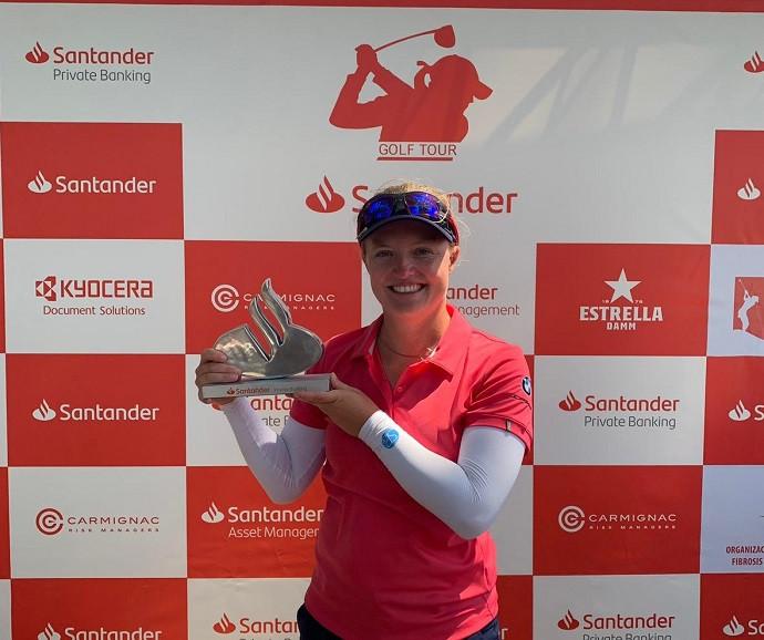 Manon De Roey wins in Valencia