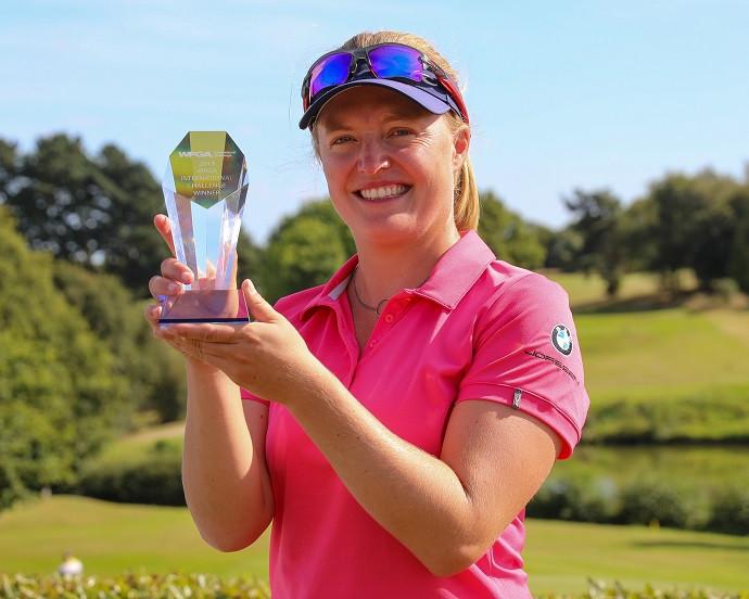 Manon De Roey wins the WPGA International