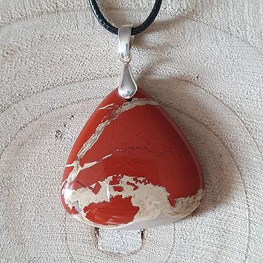 Pendentif jaspe rouge Corps de Cristal.j