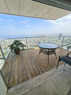 דירה עם נוף עוצר נשימה לנמל חיפה