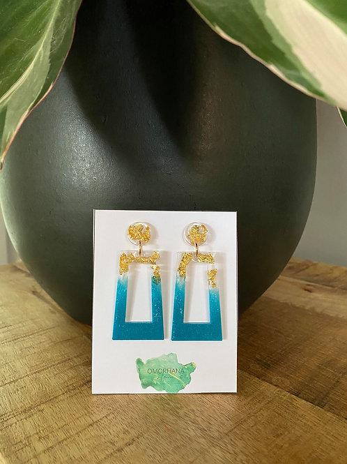 Bladgoud - blauwe oorbellen