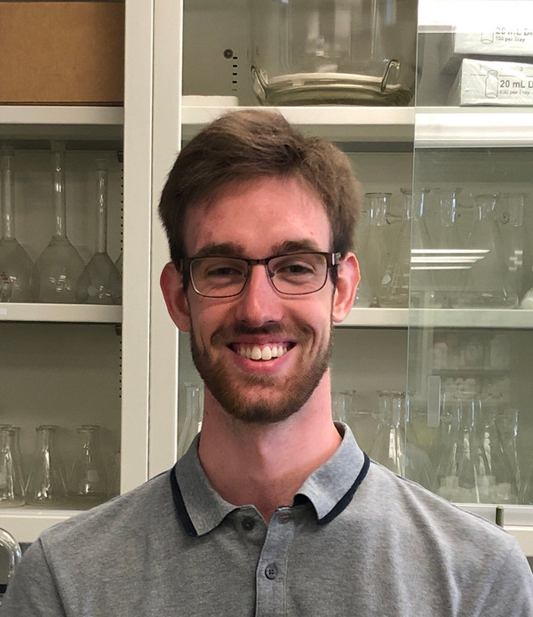 Lucien-Piché/KPrime Technologies Scholarship awarded to Félix Gagnon from the department of chemistr