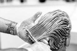 Haare waschen bei Salon Runge