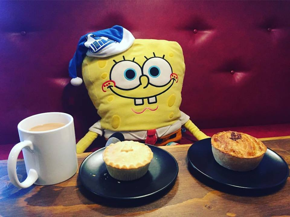 SPONGEBOB LOVES THE PIE!