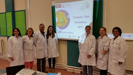 The Cell EXPLORERS NVRL team during a school visit Spring 2017.