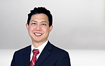 Vitreoretinal Surgeon Dr. Emmanuel Chang