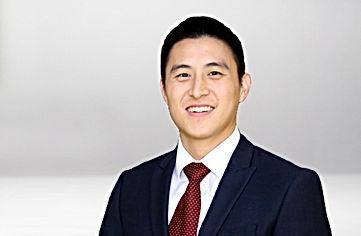 Vitreoretinal Surgeon Dr. Jonathan Tzu