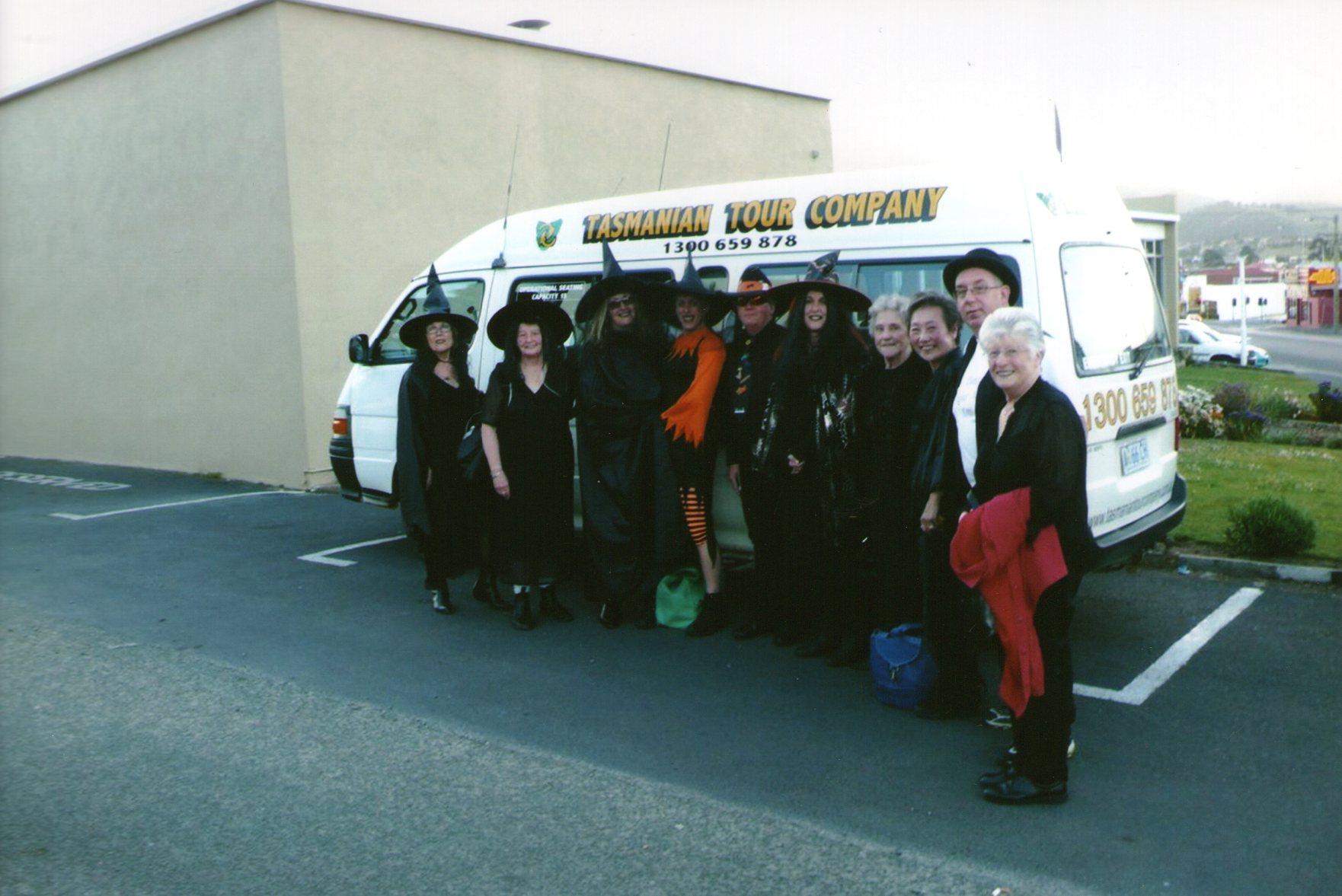 Tas, Halloween social