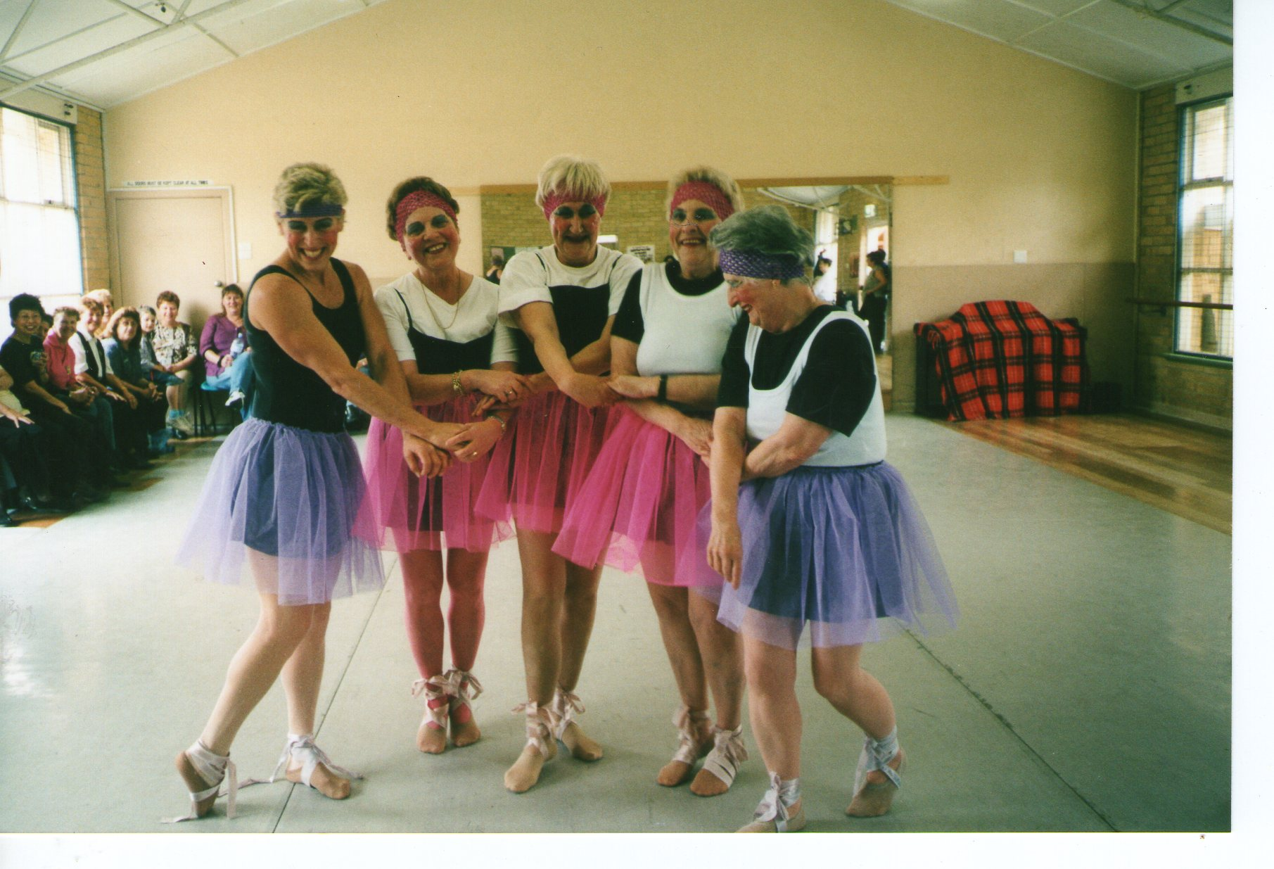 The Famous 4 tarts ballerinas