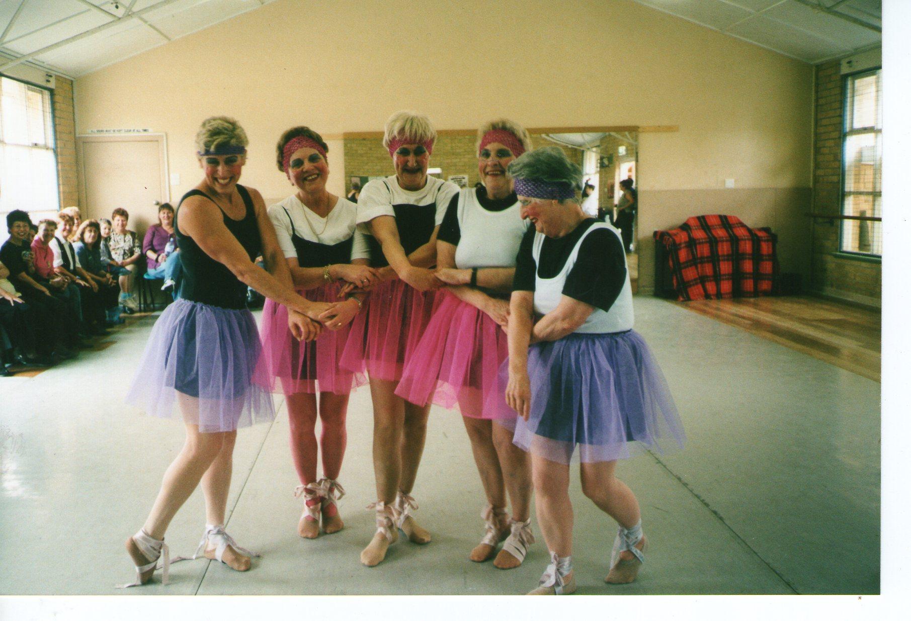 The Famous 4 tarts ballerinas