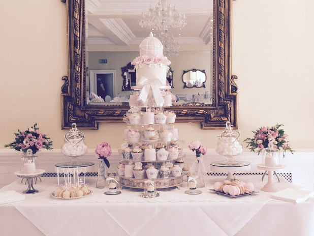 Elegent mirrowed cupcake dessert table