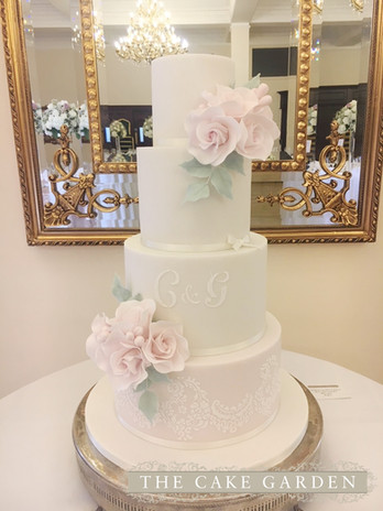 5 Toer Aleceon Lace stencil with sugar rose