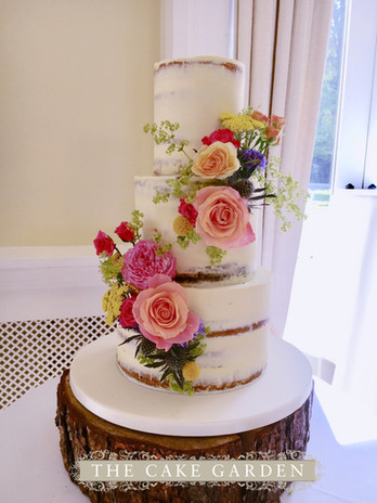Semi skimmed 3 tier with fresh flowers