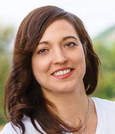 Sara Roth - Yogalehrerin