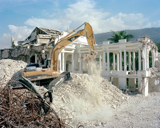 The demolition of the presidential palace in March 2012, financed and carried out by American actor and director Sean Penn's personal NGO: the JP/HRO. Port-au-Prince. Haiti, 2012