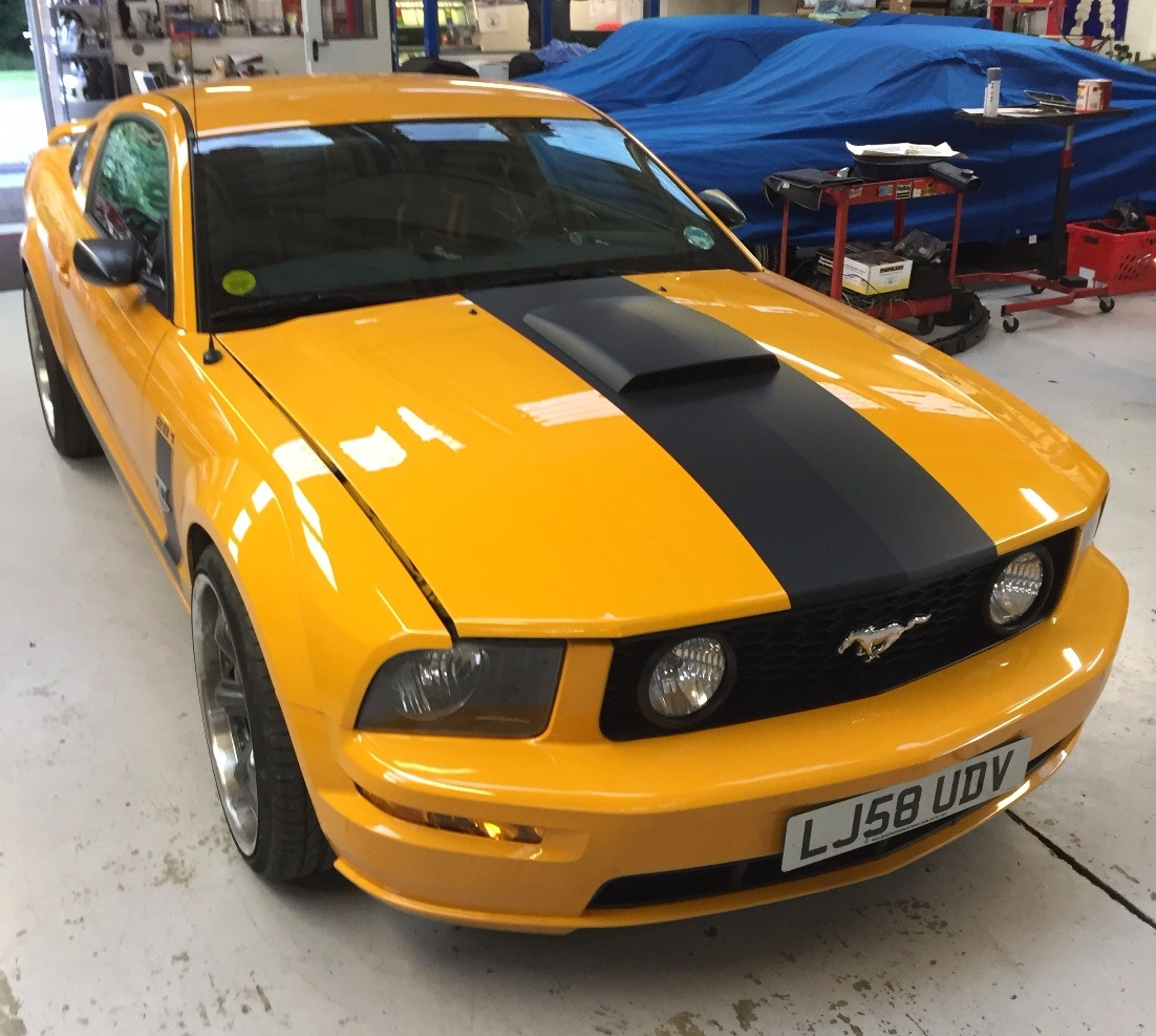 Mustang Matt Black stripe