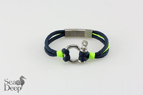 Silver Shackle Mixed Blue Rope