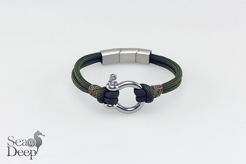 Silver Shackle Green Rope