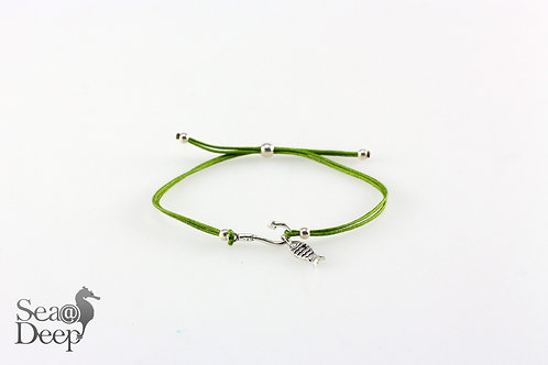 Silver Fish Green Rope