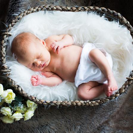23.3.18 - Emily Harvey Newborn-3142.jpg
