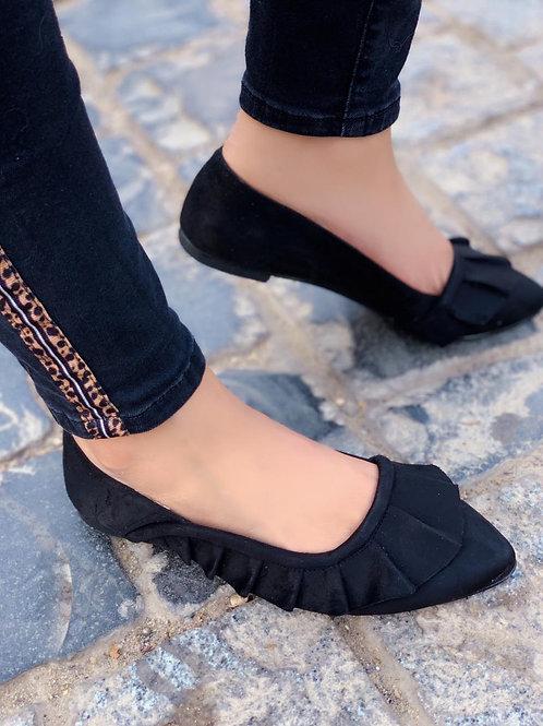 Ruffled Pointed Slip-on