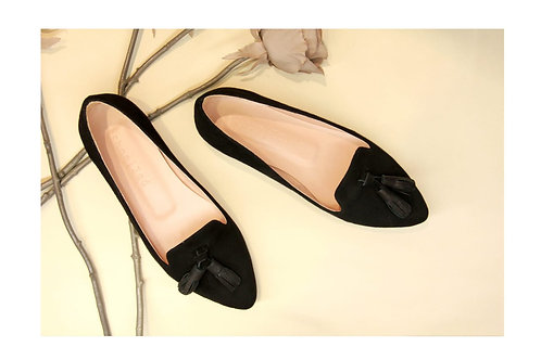 Classic Pointed Tasseled Flats