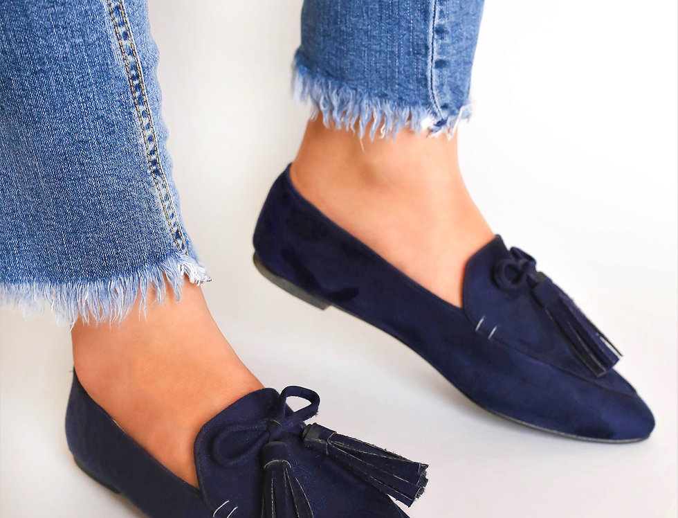 Pointed Bow Tasseled Loafers