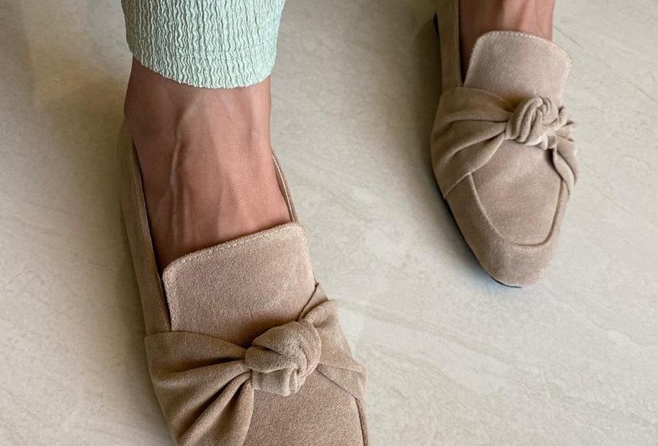 Café Square Toe Knot Loafers