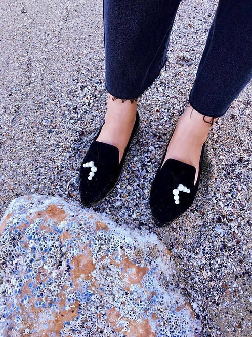 Pointed Pearls Black Loafers