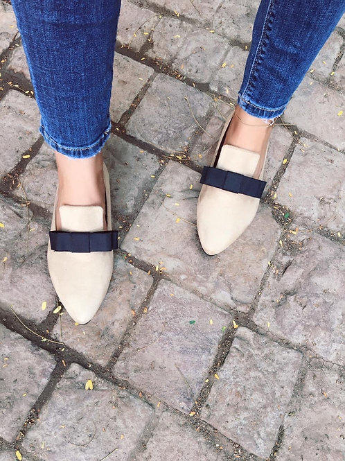 Pointed Bow Loafers