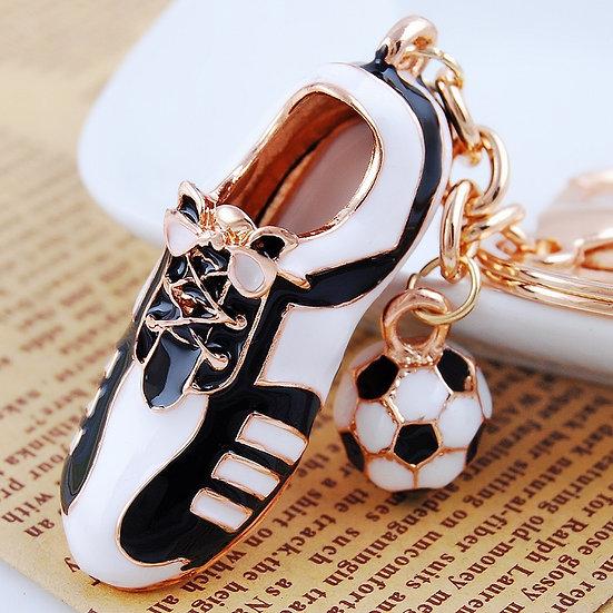 Llavero modelo: zapatilla de fútbol con pelota